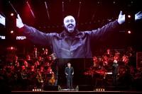 luciano-pavarotti-10th-anniversary-concert-3.jpg